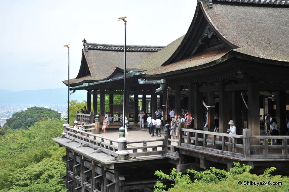 The main Kiyomizu-dera stage area.