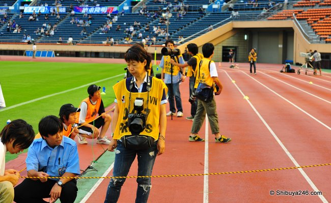 Once on the touchline I got to line up with the other photographers