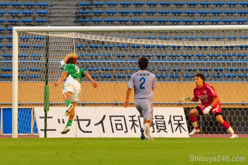 This header meets the cross perfectly and the first goal is scored for Verdy