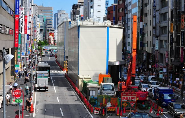 Construction Gates on Meiji dori. A tunnel is being dug out below