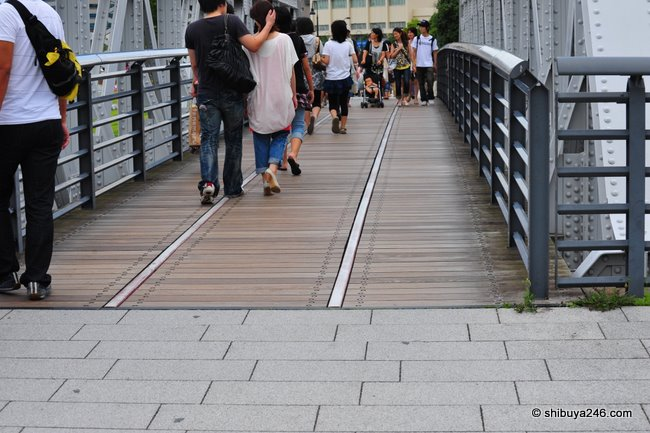 Old bridge, old tracks, the road to Minato Mirai