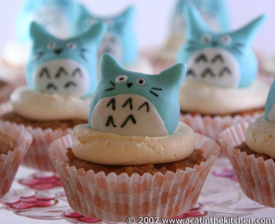 Very tasty looking Totoro cupcakes. photo from acatinthekitchen.com