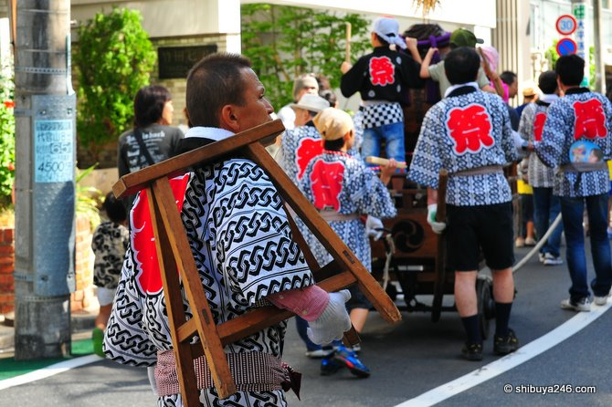 every matsuri needs someone following behind to lend support