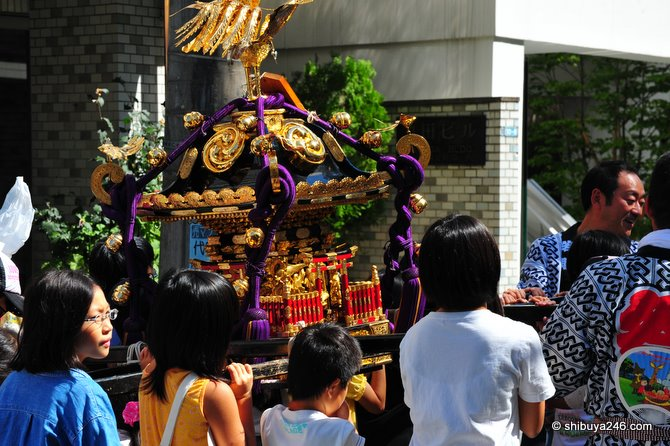 the omikoshi is lowered down