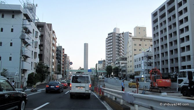 as we turn off Inokashira-dori and onto Yamate dori, here are the exhaust towers that are being built along the latest part of the tunnel route
