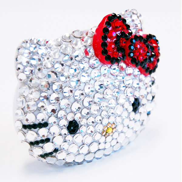Sparkling Swarovski Hello Kitty plays MP3