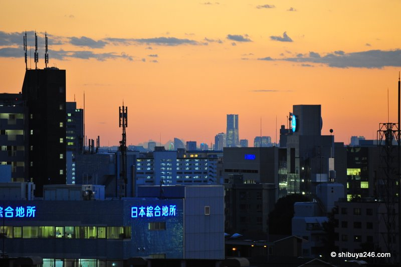 Nice sunset with clear skies making it easy to see Yokohama from my window