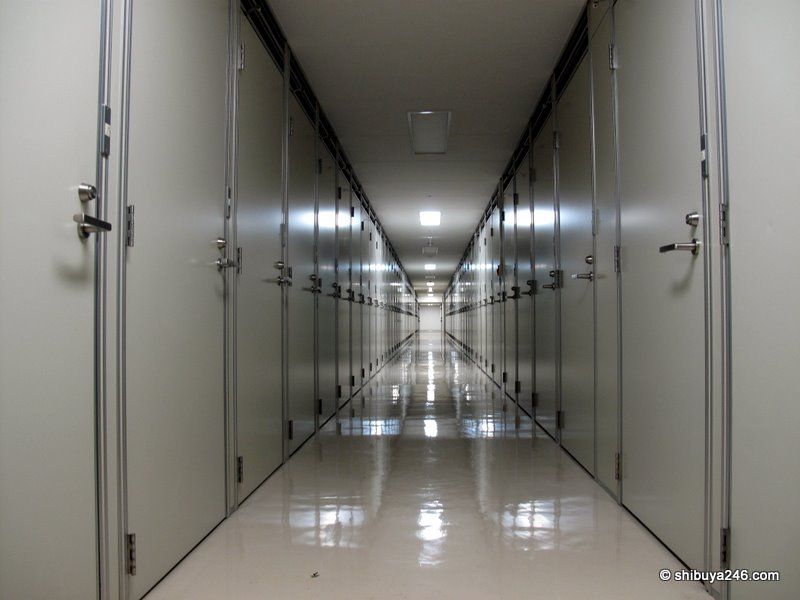 I felt like I was in a seen from 'Men in Black' or 'The Matrix' when I was walking down this corridor. Doors upon doors with little space between them