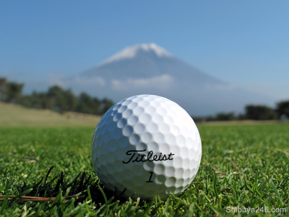 Titleist got in on the action. Had difficulty trying to keep the focus on both the golf ball and the mountain at the same time