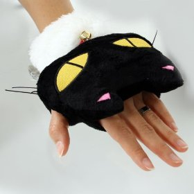The cat glove warmed by the usb