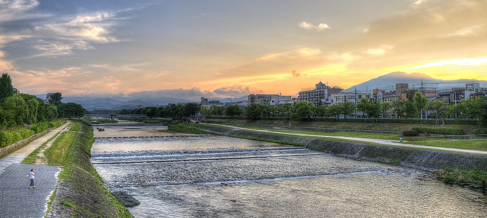 Morning sunrise on the Kamogawa, Kyoto