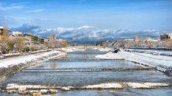 Snow on the Kamogawa